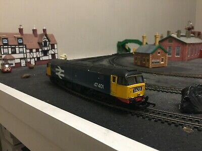 Hornby 00 - Class 47-401 - 2 Function decoder fitted .....originally R3287TTS