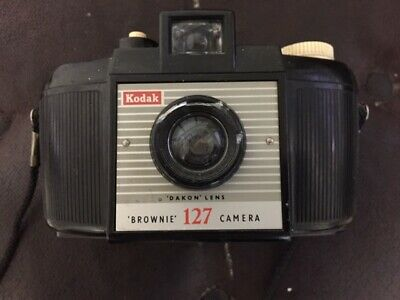 "Collectables ~ Vintage Kodak Brownie 127 Camera ~ ""dakon"" Lens ~ 1956 To 1959"