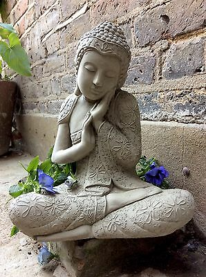 Beautifully Detailed Large Buddhas Statue For The Home Or Garden. From Sius