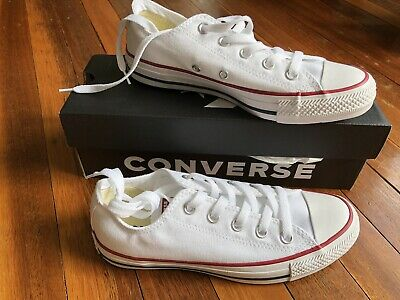 Converse All Star Classic Chuck Taylor Low White Shoes BRAND NEW Womens 6 Mens 4