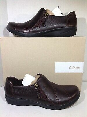 b1e09e02fcf Clarks Womens Size 9.5 Cheyn Clay Brown Leather Zip Casual Shoes F7-332