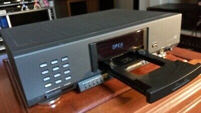 Philip 931 CD player with remote control, very good condition.