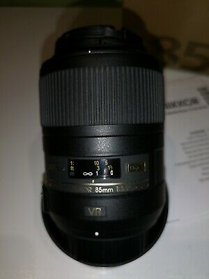 Nikon AF-S DX Micro-NIKKOR 85mm f/3.5G ED DX VR Lens, boxed, free UK delivery