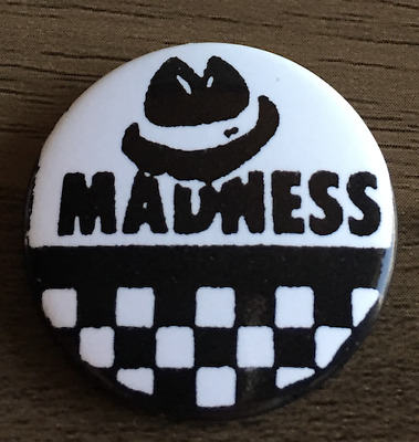 "2TONE// SKA//NUTTY BOYS//MADNESS//TWOTONE//MOD//SUGGS// 1980/'S// 25 MM// 1 /"" BUTTON BADGE"