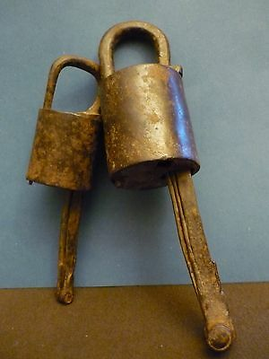 China  Qing Dynasty    掛鎖      A Couple of Old Chinese Padlocks