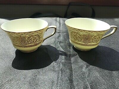 Royal Worcester Embassy Gold Pair Of Cups Mint