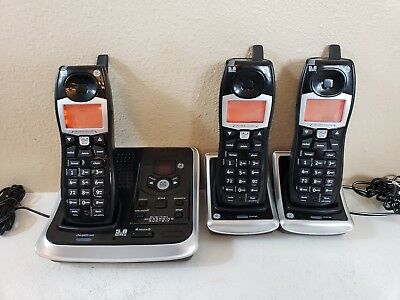 GE 5.8 GHz Cordless Handset Answering System Model 25942 With Base & 2 Sets