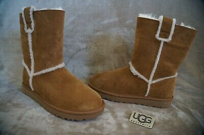 25a5ca8acf3 UGG WOMEN'S CLASSIC Short Spill Seam Bomber Chestnut boots New With ...