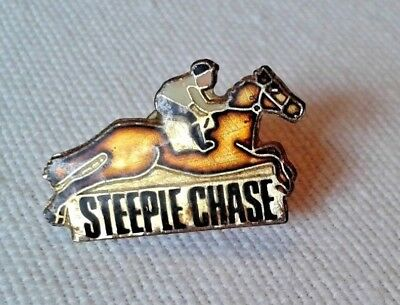 Pin's Hippisme Steeple Chase