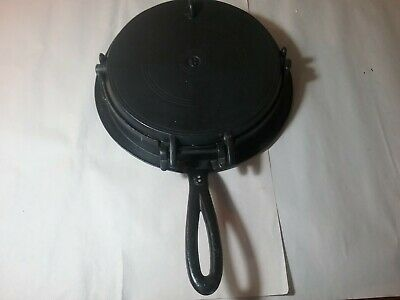 Antique Vintage Unmarked Cast Iron Diamonds And Heart's Waffle Iron #8
