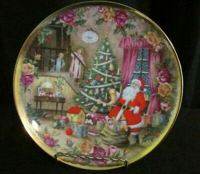 Royal Albert England OLD COUNTRY ROSES Christmas Surprise Plate