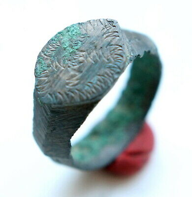 Ancient Old Bronze Ornament Decorated Ring (FBB)