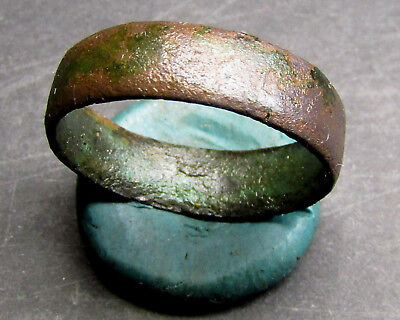 Ancient Bronze Ring.  (A7.5).
