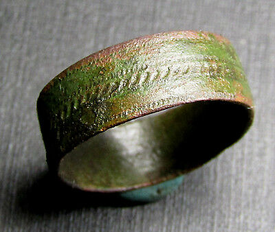 Ancient Bronze Ring. (A8).