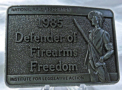 NRA 1985 DEFENDER OF FIREARMS FREEDOM RIFLE ASSOCIATION snap on mens belt buckle
