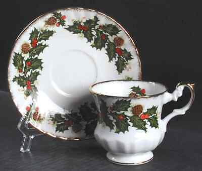 Rosina Queens YULETIDE (SCALLOPED) Cup & Saucer 5447516