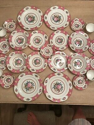 1944 Immaculate Royal Albert Bone China Lady Carlyle 25 Pieces Rare Set!!!!