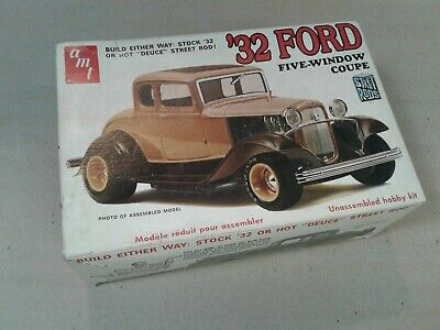 Vintage AMT '32 FORD Model Kit - 1/25TH Scale - T147