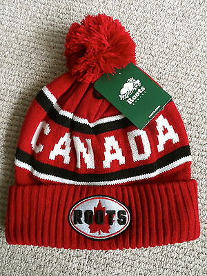 ROOTS CANADA RED Maple Leaf POMPOM TOQUE Beanie Hat UNISEX Bobble NEW Black