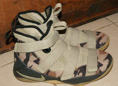 cheaper 7a321 ac426 Nike Zoom Lebron Soldier Camo Sneakers Camouflage Shoes Size 6Y Youth Boys  EUC
