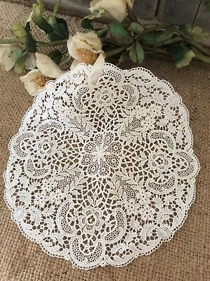 Delicieux Antique French Fine White Lace Dresser Mats/Doilies~Matching pair +one