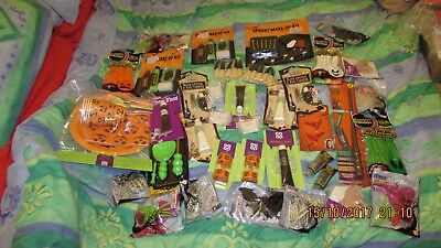 HUGE HALLOWE'EN PARTY NOVELTY BUNDLE, all new items, aprox 1.5 kg, 39 packs!