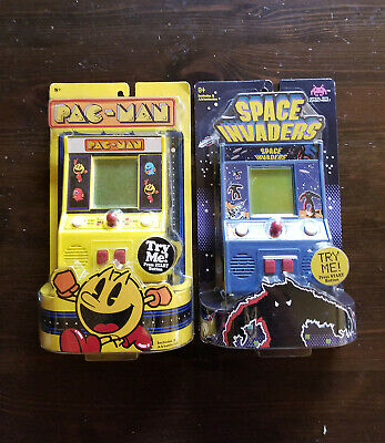 SPACE INVADERS & PACMAN Arcade Classics Mini electronic Handheld Game Basic Fun