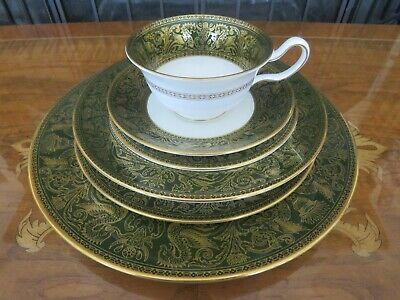 Wedgwood Florentine Green Gold Dragons W4170 Individual Dinner Service, 6 Pieces