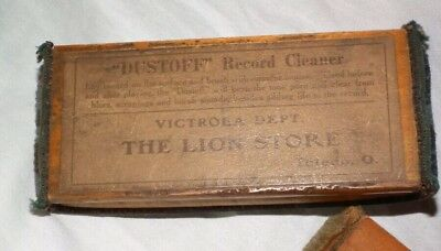 Gramophone cleaning pad