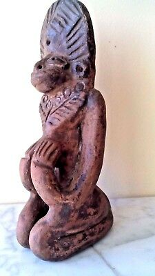 Antique Pre Columbian Mayan Pottery Statue Figurine Preying Man