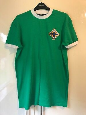 Northern Ireland Football Home Team Shirt 1967 Green and White Size Small