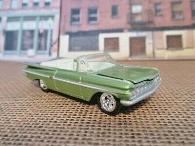 johnny lighting 1959 chevy impala convertible in green 1/64 scale diecast