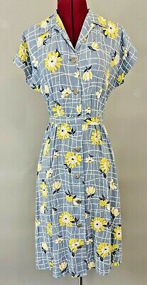 b0d419e9f5d WWII Vintage Floral swing dress 40s button front day dress summer Pinup  Flowers