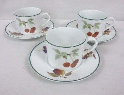 3 X Royal Worcester Evesham Vale Tea Cups And Saucers      (Chi)