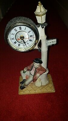 Vintage Retro Crosa, R. de Rivoli Quartz Mantle Clock: Man under lamppost