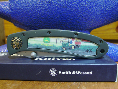 Smith & Wesson John Deere pocket knife 150th Anniversary Tractor gold Shield