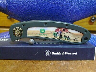 Smith & Wesson John Deere pocket knife 150th Anniversary gold Shield Issue 210TR