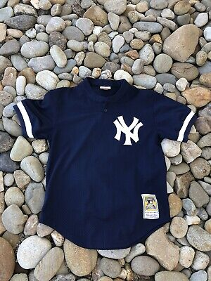 6da5aa1f5 Men s New York Yankees Bernie Williams  51 Mitchell and Ness BP Jersey  Medium 40