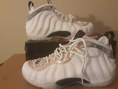 5bf6387c6d0 New Nike Air Foamposite One Summit White Oil Grey Women s Size 10 AA3963-101