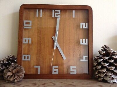 Vintage Retro Rare Mantle / Wall Clock Wood Grain 1960/70's Cool!!