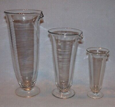3 Vintage Footed Tapered Graduated Beaker Apothecary Lab Glass 125ml 1000ml 500c