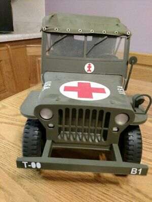 Formative Toys 1:6 scale Willy's Jeep Medic decals w/ convertible top used