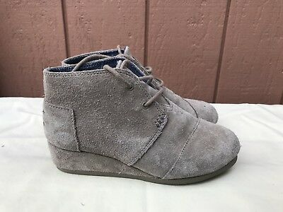 5fba5135838 TOMS WEDGE BOOTS girls size 4.5 blue chambray lace up shoes -  16.99 ...