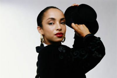 2CD   SADE - Greatest Hits Collection Music 2CD