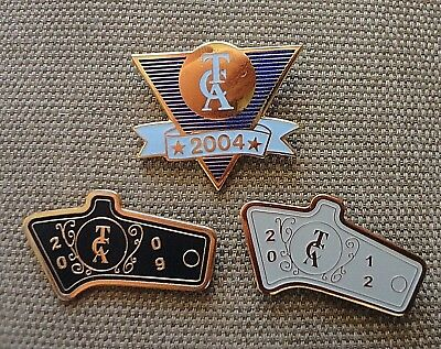 3 THOMPSON CENTER ASSOCIATION Lapel Hat Pin 2004 2009  2012 arms pistol gun