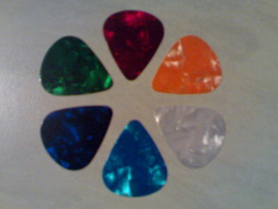 12 x Electric & Acoustic Guitar Picks, Plectrums In A Handy Little Storage Tin!