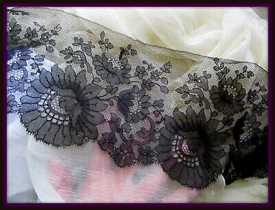 Charming Antique French Victorian 1900 Silk Chantilly Lace Roses Scallops