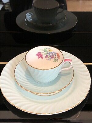 Beautiful Antique Aynsley Fine Bone China England Tea Cup Saucer And Plate