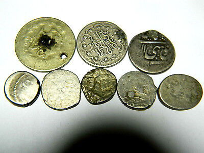 8 old Islamic silver coins, 32.2g. Old toning.