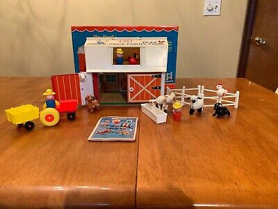 Vintage Fisher Price Play Family Farm Barn #915 - 17 Pieces With Box & Pamphlet